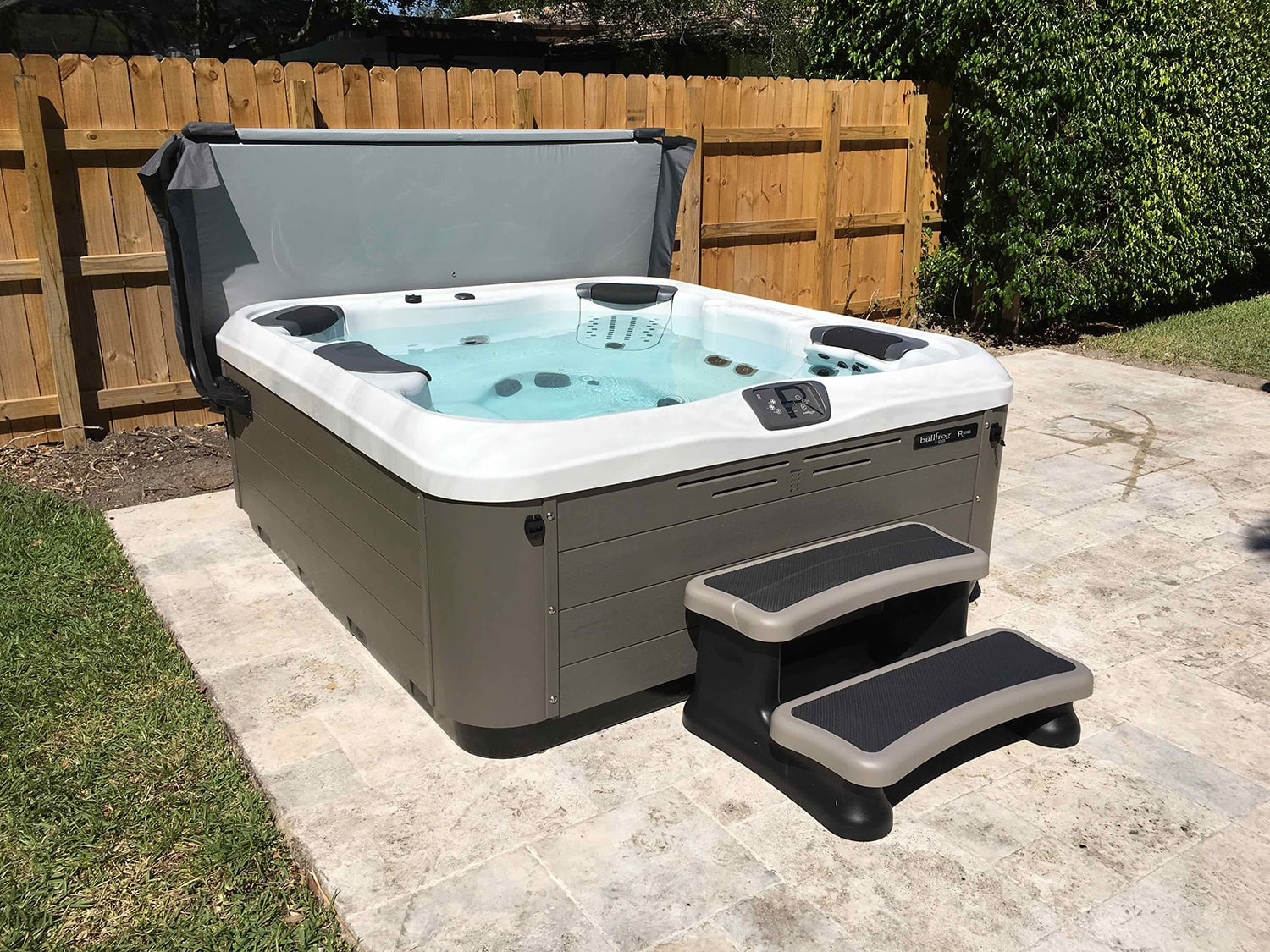bullfrog spas hot tubs